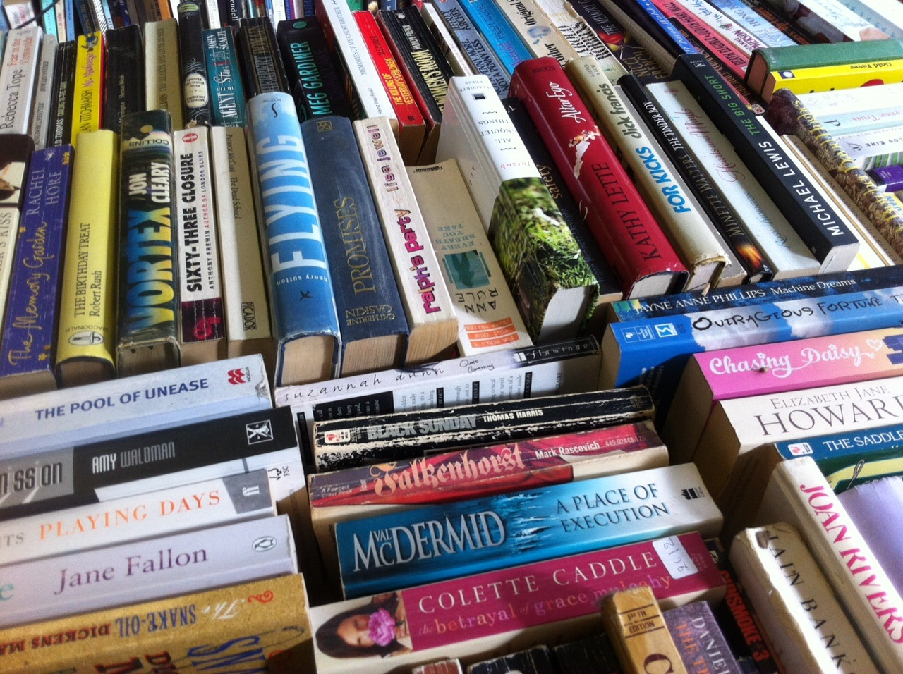 Ditch the Kindle and pick up a new used book at the new shelf at Kentish Town West. Photo: SE