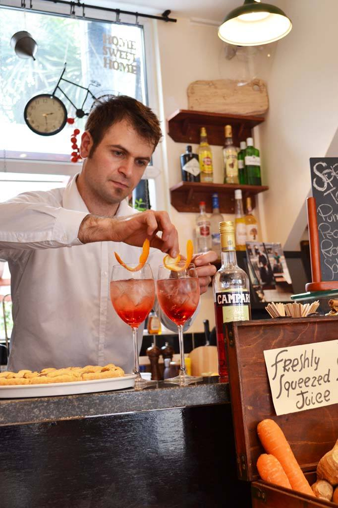 Giuseppe making yet another spritz. Photo: TK