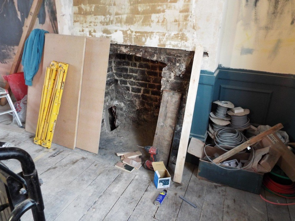 Wednesday to Saturday there'll be singer-songwriters tinkling the ivories at a mini grand piano next to this reinstated fireplace