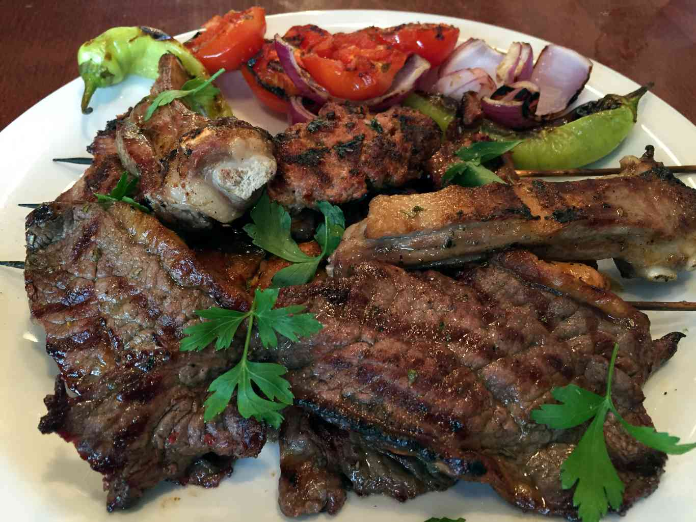 Very meaty: a mixed grill. Photo: SE