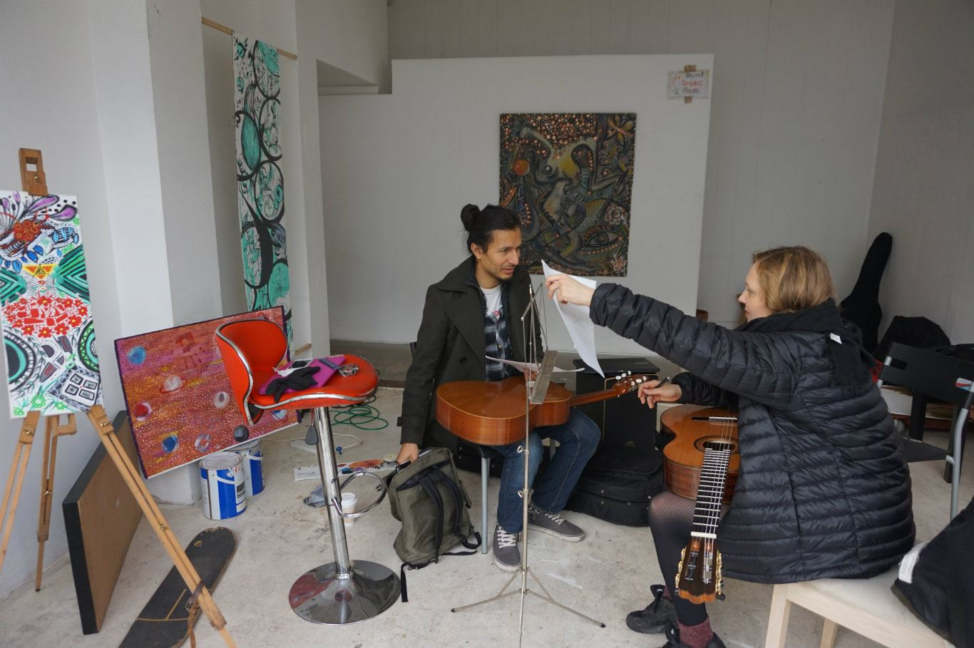 A free music lesson, earlier today. Photo: Clare Hand