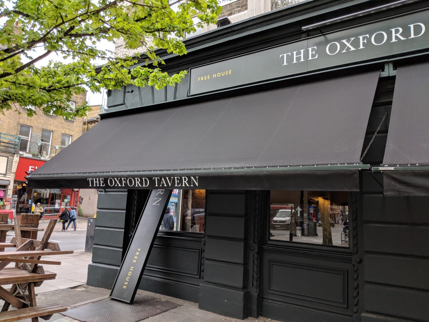 Jazz at The Oxford - the exterior of the pub